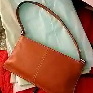 kate spade Bags - Gorgeous Classic Kate Spade Pouchet